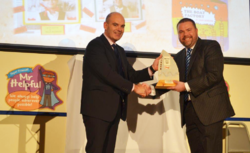 Cregagh Primary School receives Flagship Award picture